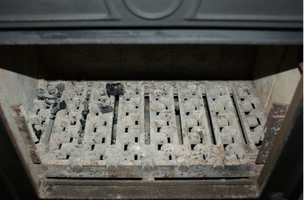 grates 3-small pic1.jpg