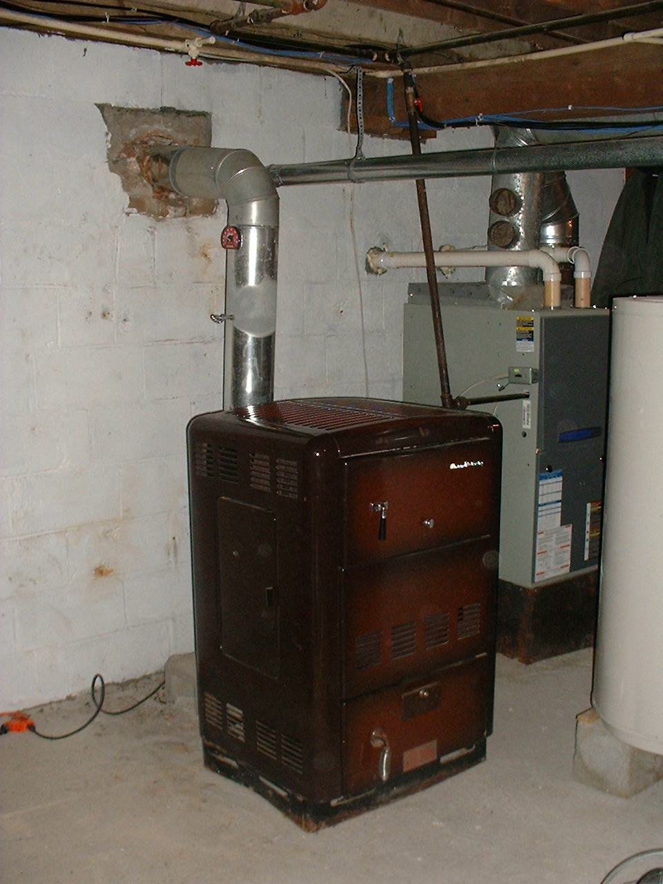 2006-10-26-Locke_Stove_Company_400C-Warm_Mornings-Coal_Burner-Wide-1.JPG