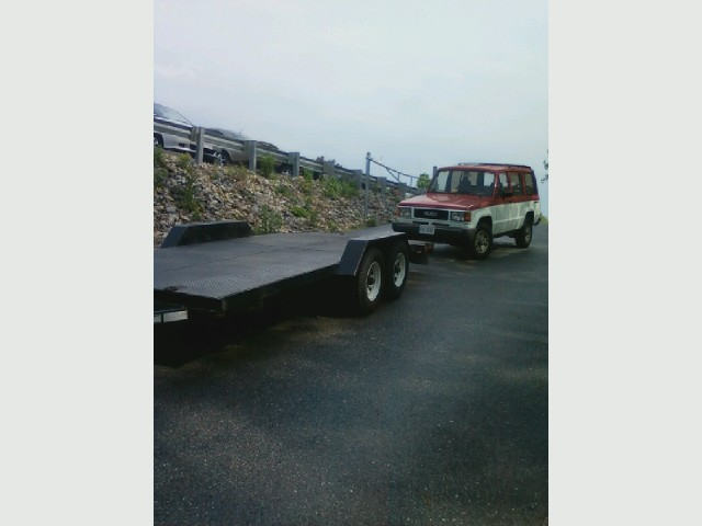 Isuzu Trooper, '88, towing from school.jpg
