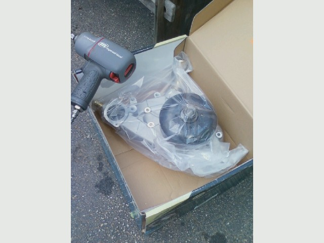 04 Silverado water pump, new.jpg