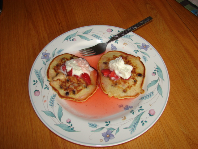 Strawberry pancakes.jpg
