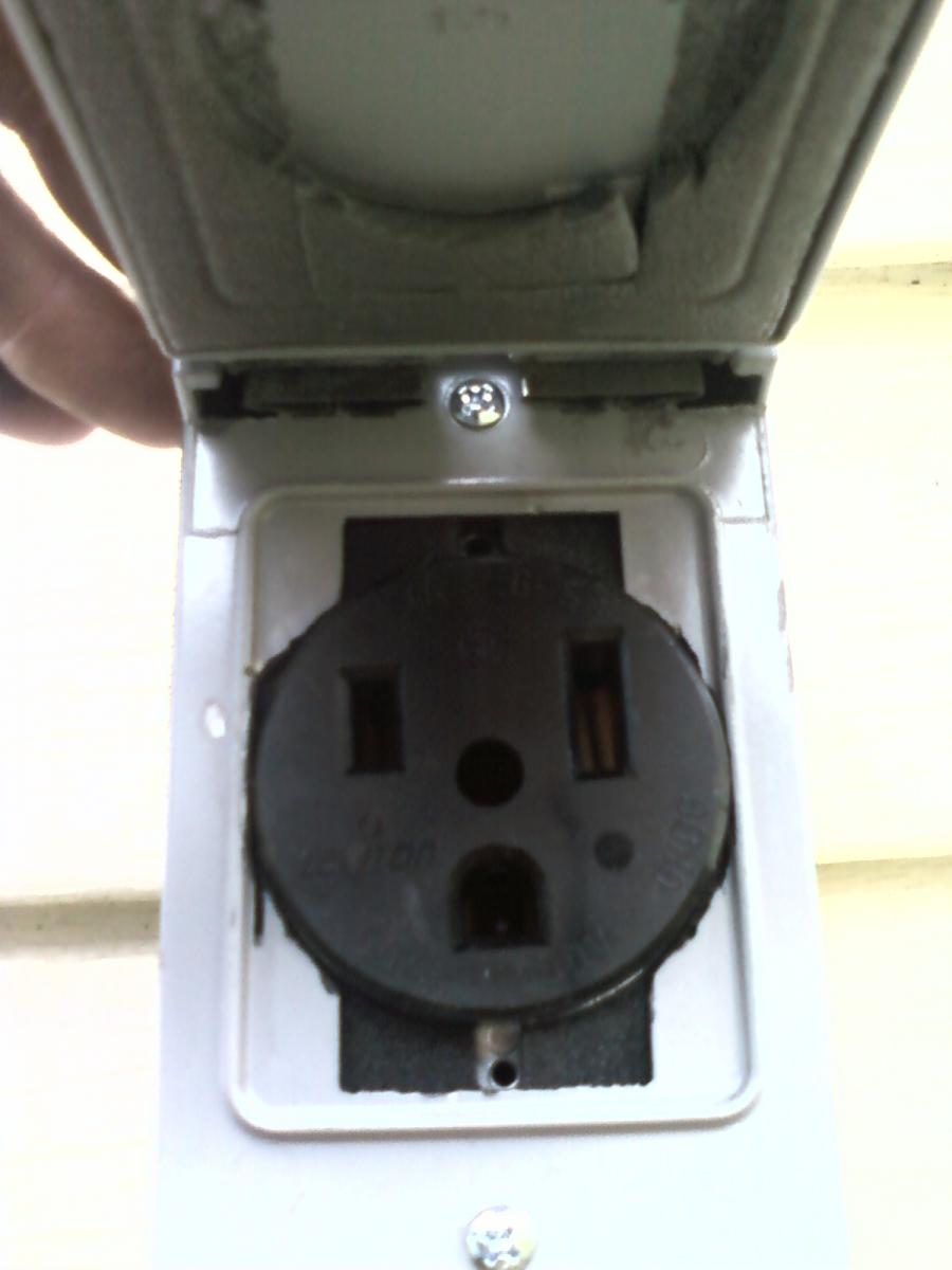 Welder outlet,  outdoor outlet, outside (2).jpg