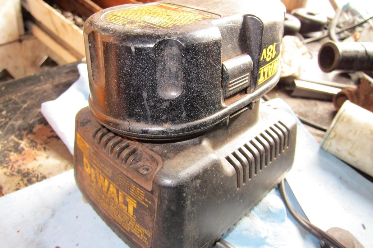 Charger, DeWalt, power draw (2).JPG