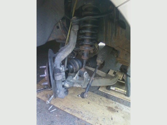 Expedition front end work, lower ball joint.jpg