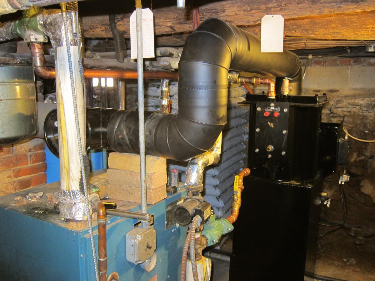 Stoker boiler, connector pipe, chimney.JPG